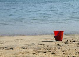 Jocuri cu apă: galeata plină