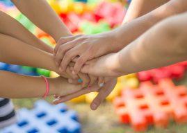 """Jocul """"Adevăr sau provocare"""": idei de provocări pentru prieteni"""